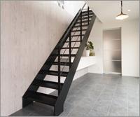 お客様のお部屋に合わせたオリジナルの室内階段も設計から施工までトータルにご提案いたします
